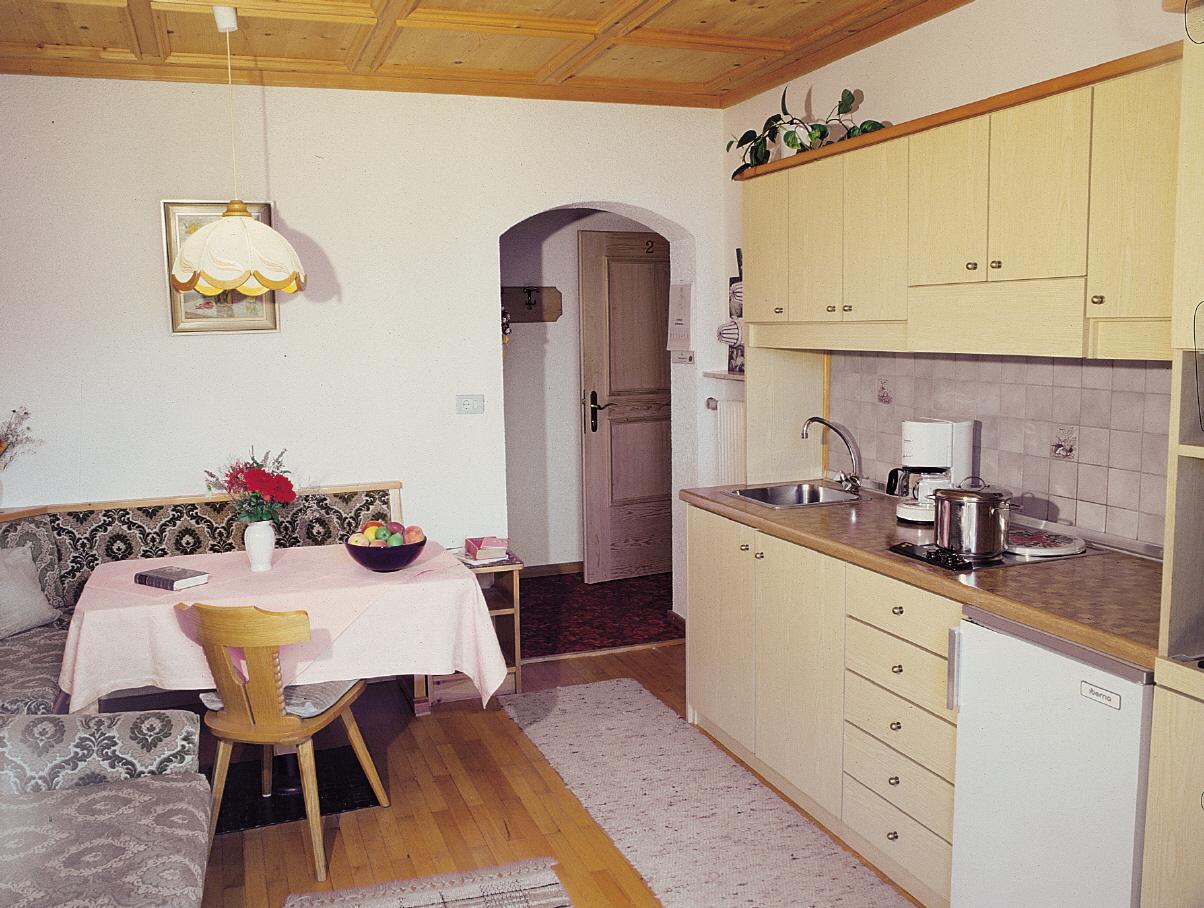 Weise Mobel Im Wohnzimmer Mit Wohnkuche